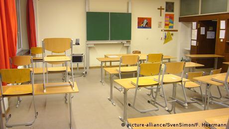 Γερμανός ιατρός: Δεν έχει νόημα το κλείσιμο των σχολείων στη Γερμανία