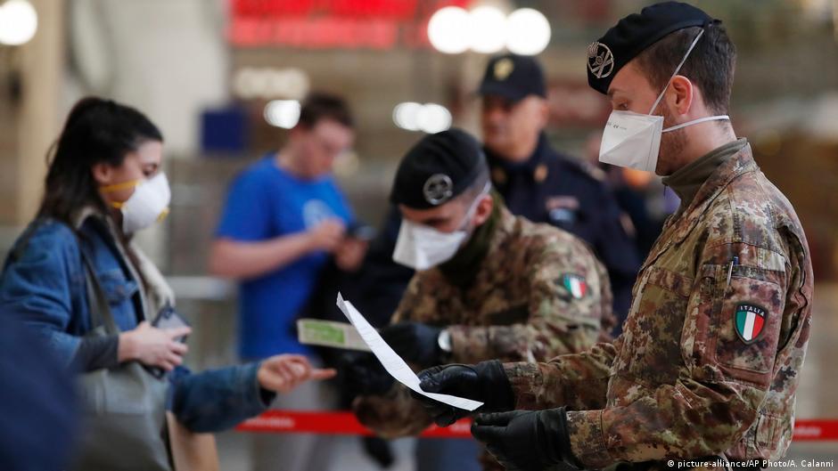 Coronavirus: Italy imposes nationwide restrictions