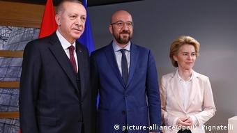 Μπορούν να αποδώσουν οι διαμεσολαβητικές προσπάθειες προς την Άγκυρα;