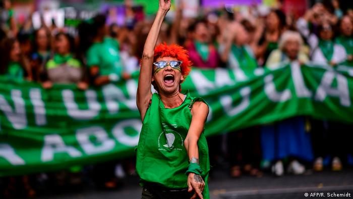Manifestación en Buenos Aires a favor del aborto legal y contra la violencia machista. (9.3.2020).