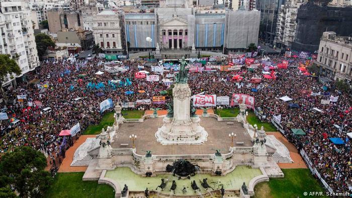 Manifestación en Buenos Aires para que se apruebe el aborto legal, seguro y gratuito. (Marzo de 2020).