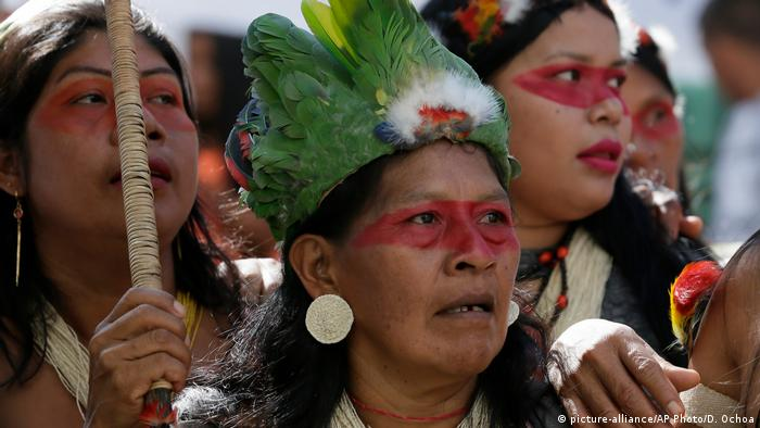 Foto de mujeres waorani.