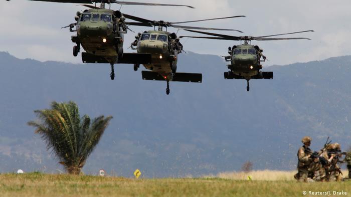 Helicópteros estadounidenses en ejercicio militar en Colombia