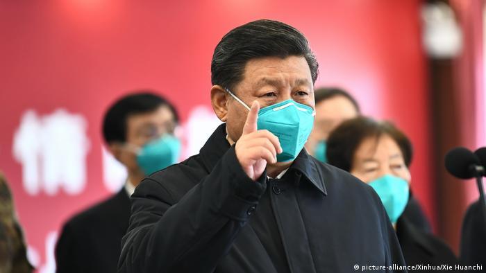 China Coronavirus Xi Jinping besucht Wuhan (picture-alliance/Xinhua/Xie Huanchi)