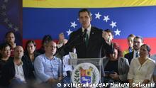 09.03.2020, Venezuela, Caracas: Juan Guaido, Oppositionsführer, spricht auf einer Pressekonferenz. Der selbst ernannte Interimspräsident hat zu einem Protest gegen die Regierung aufgerufen. «Die Diktatur [der Regierung von Präsident Maduro] versucht, die Tragödie zu vertuschen. Wir werden aber eine Normalisierung des Notstandes in Venezuela nicht zulassen», schrieb Guaido auf Twitter. Foto: Matias Delacroix/AP/dpa +++ dpa-Bildfunk +++ |