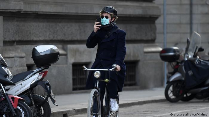 Italien: Angst vor Corona in Mailand (picture-alliance/Xinhua)