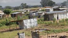 Provisorische Häuser in Chimbonde, Tete Provinz, Mosambik