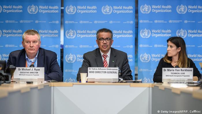 Autoridades da OMS em coletiva de imprensa em Genebra
