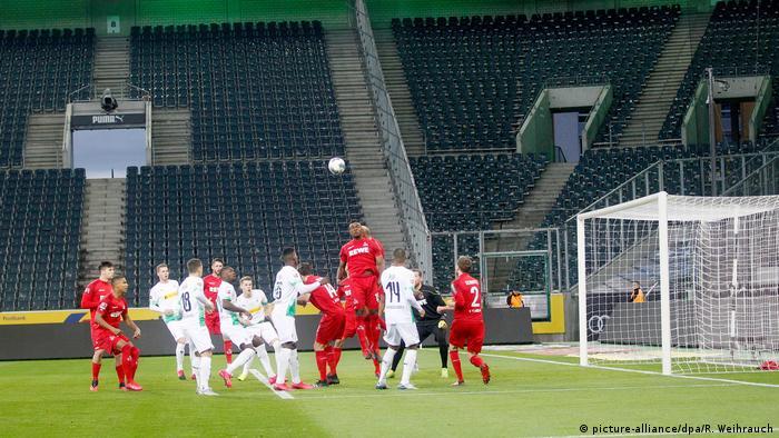 'Geisterspiel' between Borussia Mönchangladbach and Cologne