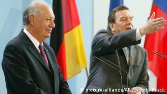 En 2005, Lagos se reunió en Berlín con el canciller alemán Gerhard Schröder.