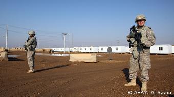 Symbolbild Irak Raketenangriff auf US-Stützpunkt (AFP/A. Al-Saadi)