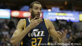 Rudy Gobert (picture-alliance /AP Photo/L.M. Otero)
