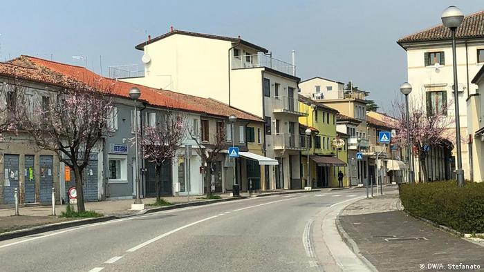 Ruas vazias em Treviso, próxima a Veneza