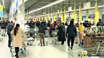 Мер Черкас вважає нерівними умови карантину, коли деякі великі магазини працюють, а маленькі крамниці - ні