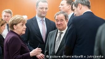 Η Άγκελα Μέρκελ επέμεινε στη «φυσική παρουσία» των πρωθυπουργών στην αυριανή συνάντηση στην καγκελαρία