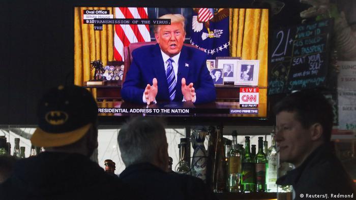USA Washington Donald Trump im TV bei seiner Rede zum Coronavirus