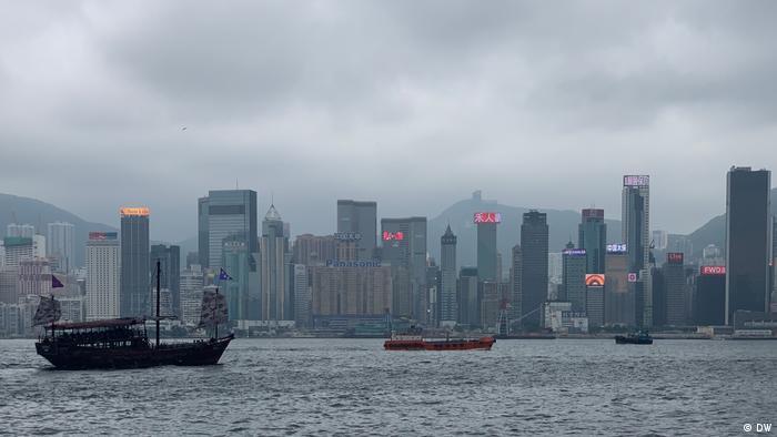 Skyline auf der Hongkong Island, Hongkong China (DW)