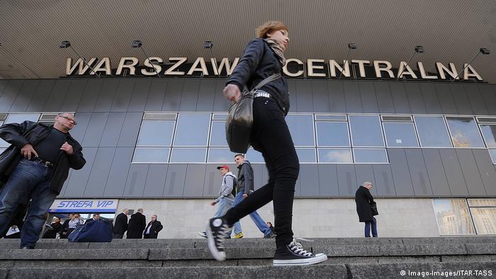 Польща та Данія закривають свої кордони