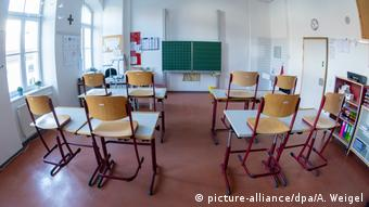 Δεκάδες σχολεία έχουν κλείσει λόγω κρουσμάτων