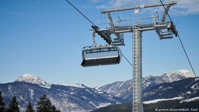 Winter in Tirol (picture-alliance/dpa/A. Riedl)