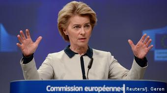 Урсула фон дер Ляйен на пресс-конференции в Брюсселе 13 марта