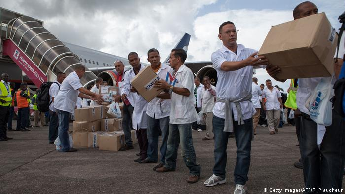 Sierra Leone Kuba senden 165 Mediziner nach Westafrika