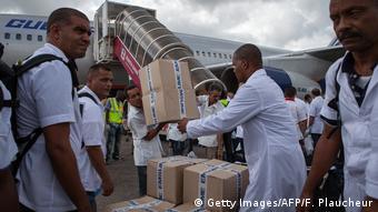 Кубинские врачи в Сьерра-Леоне во время эпидемии вируса Эболы