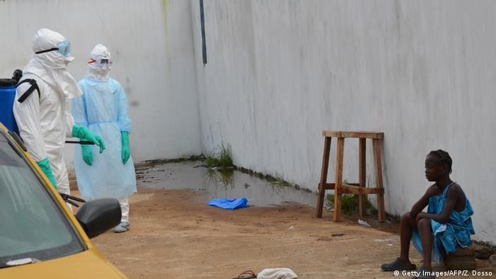 Médicos cubanos en Sierra Leona. (2014).