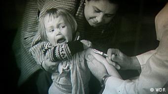 Still   DW Fit und Gesund   Polio-Impfung
