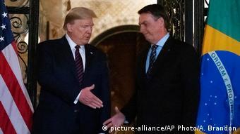 O Tραμπ δαιμονοποιεί τα ΜΜΕ στις ΗΠΑ - To ίδιο και ο Μπολσονάρο στη Βραζιλία