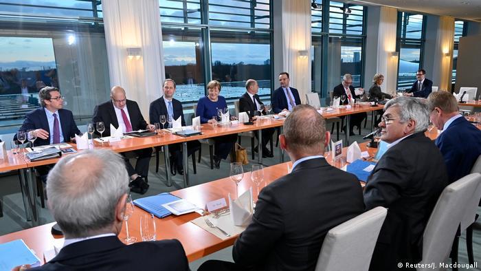 Berlin: Corona-Krisensitzung im Kanzleramt (Reuters/J. Macdougall)