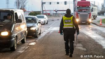 Полицейский на эстонско-литовской границе