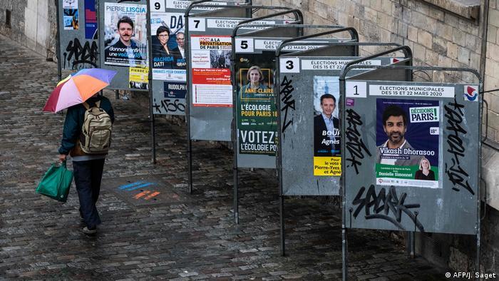 Спостерігачі вважають місцеві вибори у Франції вотумом довіри Еммануелю Макрону