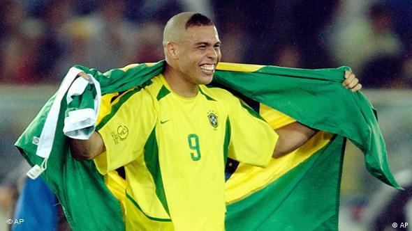 Ronaldo nakon pobjede u finalu SP-a 2002.