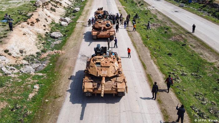 Syrien Russland und Türkei beginnen Patrouillen in Idlib   Protest
