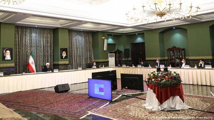 حسن روحانی در دیدار با فعالان اقتصادی بخش خصوصی، ۲۵ اسفند ۱۳۹۸