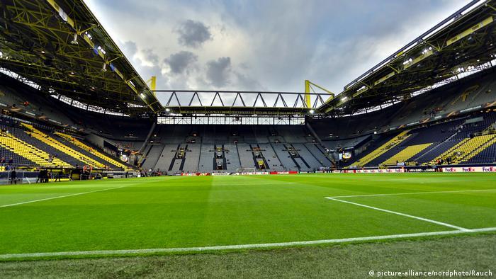 Bundesliga Haaland Back In Business As Dortmund Win Ghost Derby Sports German Football And Major International Sports News Dw 16 05 2020