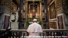 Italien   Papst Franziskus besucht die Kirche San Marcello al Corso in Rom
