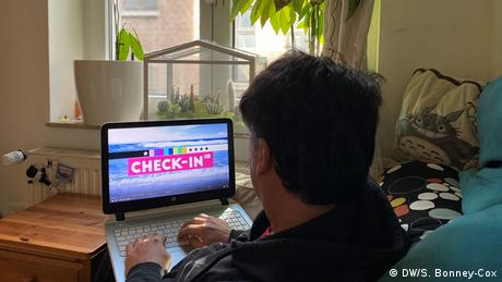 Sendung Check-in User (DW/S. Bonney-Cox)