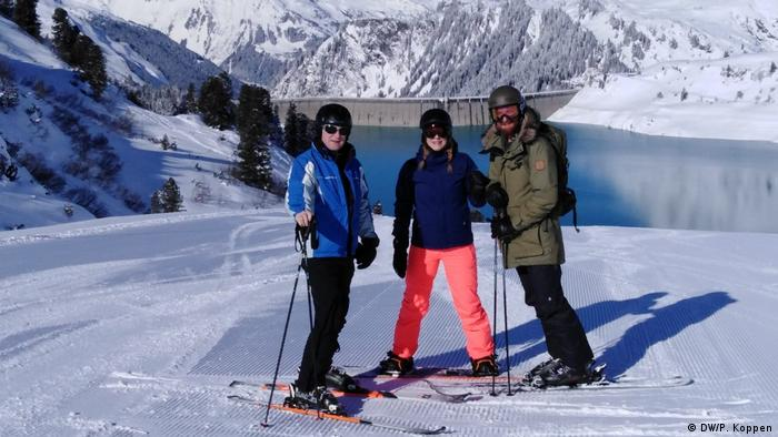 DW presenter Peter Koppen, before he had to flee Tyrol for quarantine, on a ski slope in Austria