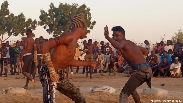 La lutte traditionnelle fait partie des pratiques traditionnelles les plus prisées en Afrique