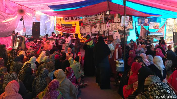 Women gathering in protest at Shaheen Bagh in Delhi.