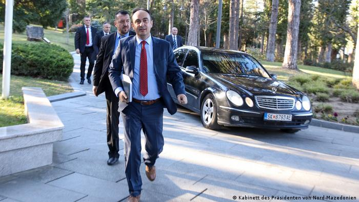Nord-Mazedonien   Coronavirus   Pressebilder Kabinett des Präsidenten   Nake Culev , Innenminister