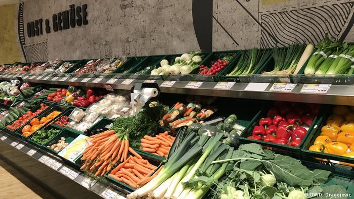 Police pune voća i povrća u bonskim trgovinama
