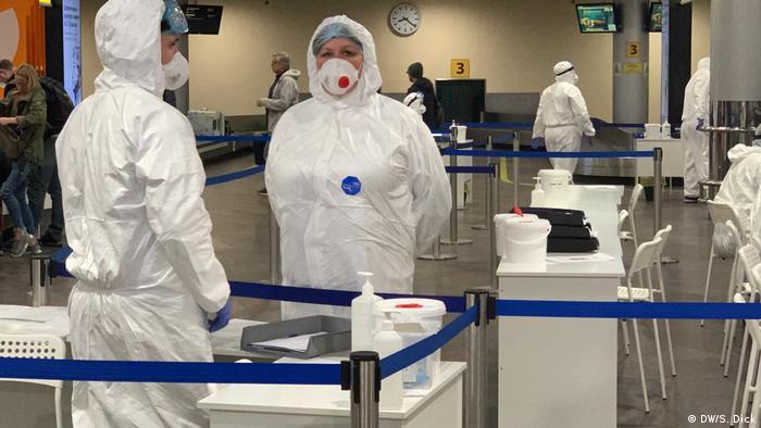 Russland Moskau   Coronavirus   Flughafen Scheremetyevo (DW/S. Dick)