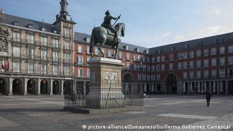 Spanien Madrid Coronavirus (picture-alliance/Zumapress/Guillermo Gutierrez Carrascal)