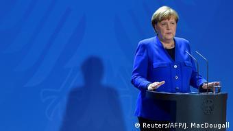 Deutschland Berlin | Coronavirus | Pressekonferenz Angela Merkel, Bundeskanzlerin (Reuters/AFP/J. MacDougall)