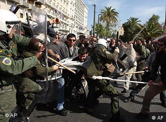 Passeata começou pacífica, mas desandou em violência