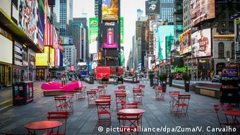 Coronavirus in USA Times Square in New York (picture-alliance/dpa/Zuma/V. Carvalho)