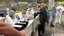 Coronavirus-Kontrolle von einreisenden Passagieren am Terminal F im Moskauer Flughafen Sheremyetevo. Foto: DW/Sergey Dik am 13 März 2020